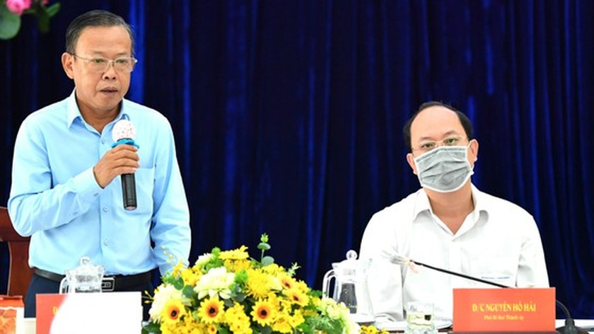 HCMC mobilizes all resources to ensure vaccines for entire population ảnh 2