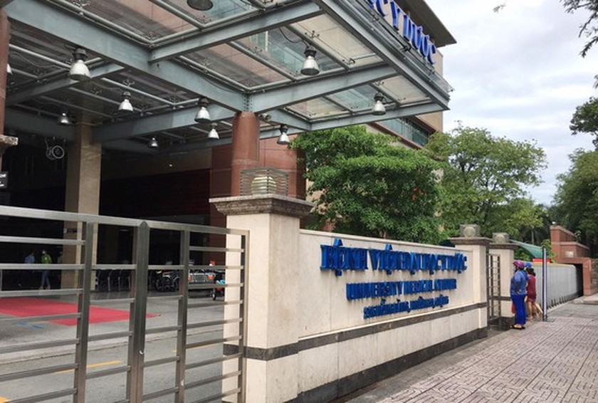 HCMC's University Hospital of Medicine and Pharmacy stops receiving patients ảnh 4