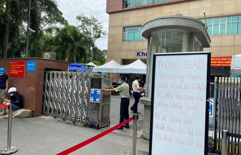 HCMC's University Hospital of Medicine and Pharmacy stops receiving patients ảnh 1