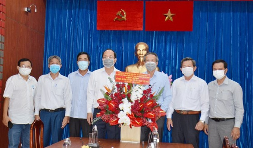 HCMC leaders extend greetings to press agencies ảnh 3
