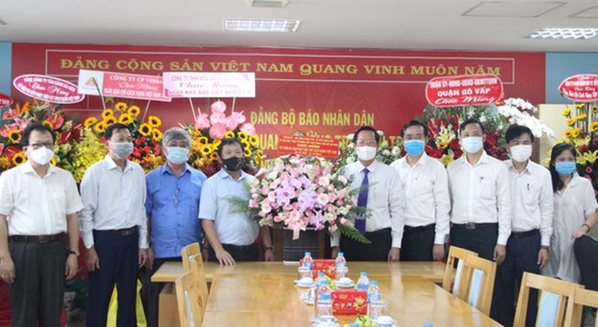 HCMC leaders extend greetings to press agencies ảnh 4