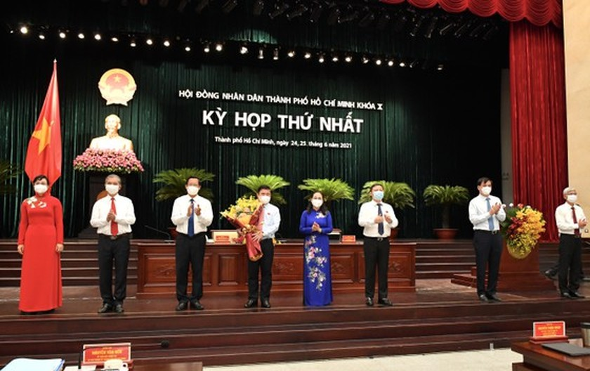 Top leaders of HCMC People's Council, People's Committee re-elected ảnh 5