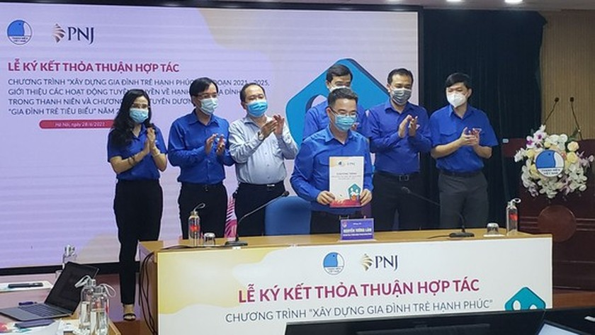 'Building happy young family' program marking Vietnam Family Day launched ảnh 1