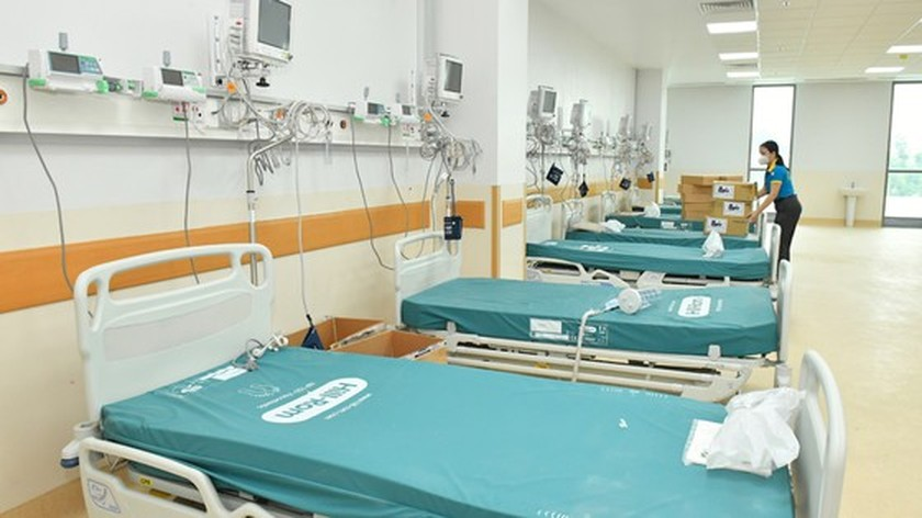 HCMC leaders visit newly opened Covid-19 Intensive Care Hospital ảnh 5