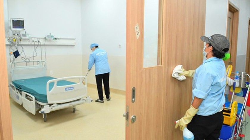 HCMC leaders visit newly opened Covid-19 Intensive Care Hospital ảnh 8