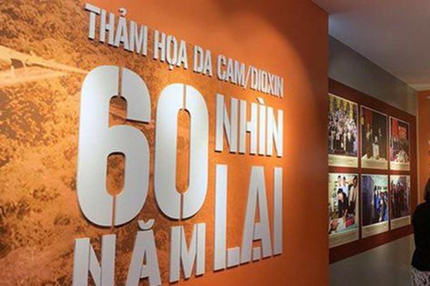 Exhibition marking 60 years of the Agent Orange/dioxin disaster opens in Hanoi ảnh 1
