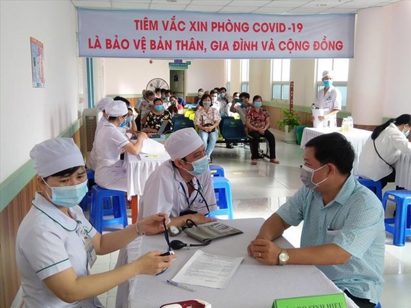 Phu Quoc inoculates entire population to revive tourism ảnh 1