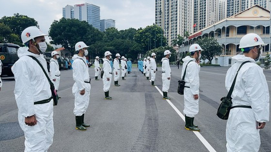 HCMC launches 7-day citywide sanitization ảnh 7