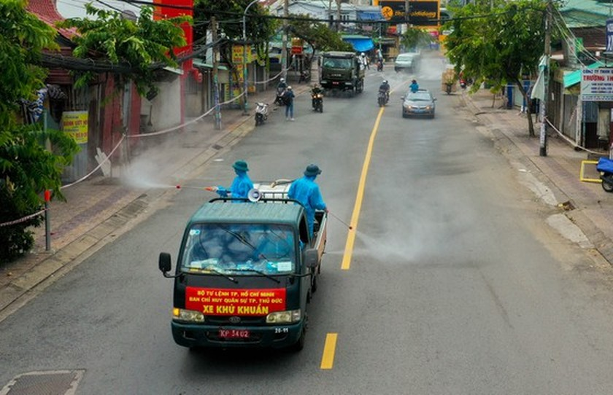 HCMC launches 7-day citywide sanitization ảnh 21