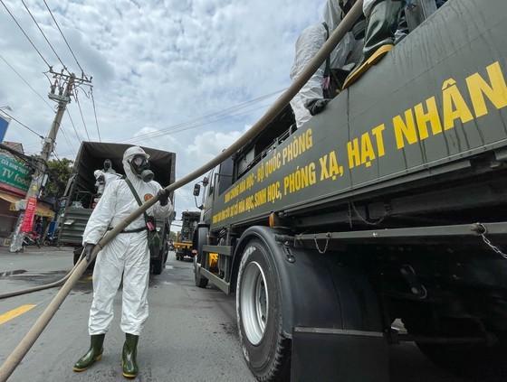 HCMC launches 7-day citywide sanitization ảnh 26