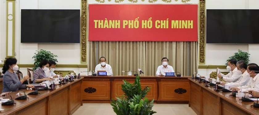 HCMC reviews its implementation of 15-day citywide social distancing order ảnh 1