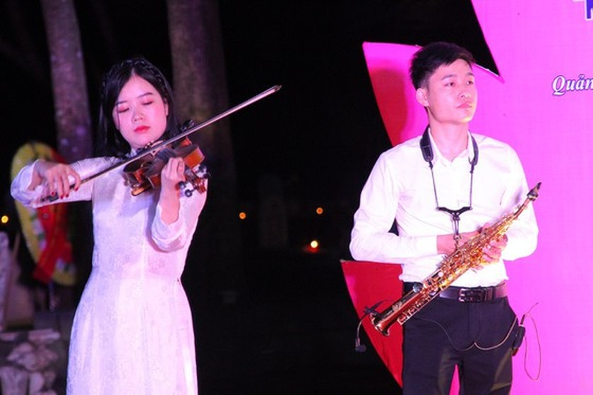 Quang Tri hosts annual memorial tribute ceremonies to fallen soldiers ảnh 7