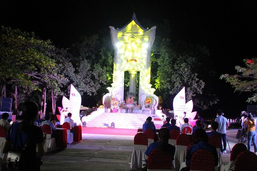 Quang Tri hosts annual memorial tribute ceremonies to fallen soldiers ảnh 9