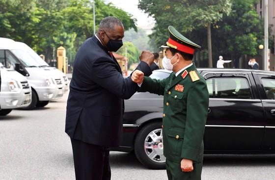 US Secretary of Defense pays official visit to Vietnam ảnh 1