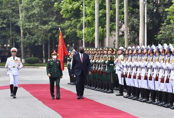 US Secretary of Defense pays official visit to Vietnam ảnh 2