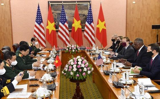 US Secretary of Defense pays official visit to Vietnam ảnh 4