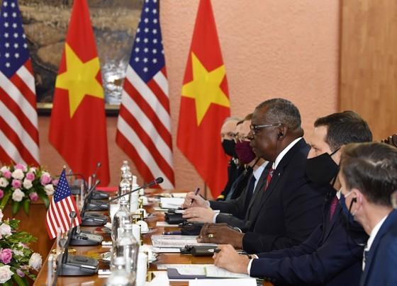 US Secretary of Defense pays official visit to Vietnam ảnh 6
