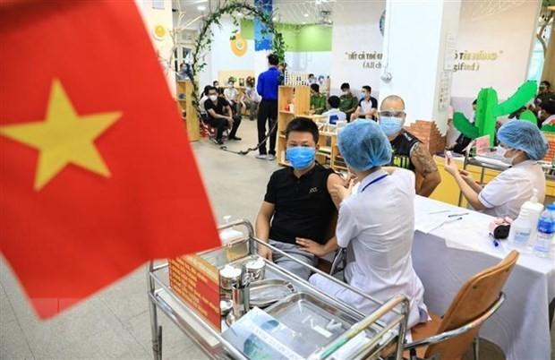 Germany's newspapers spotlights Hanoi's mass Covid-19 vaccination ảnh 1