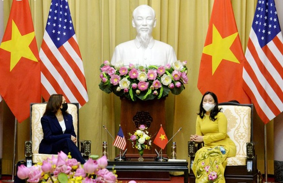 State President Nguyen Xuan Phuc receives US Vice President ảnh 4