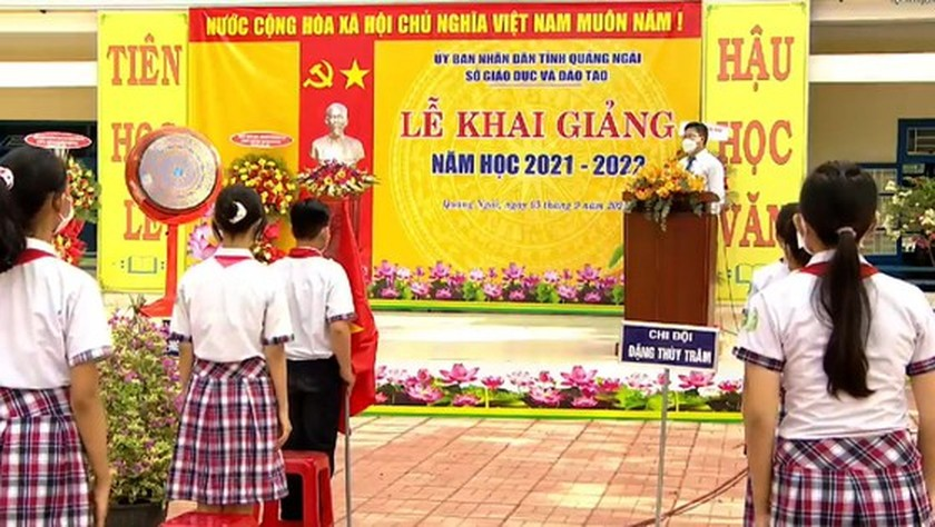 New academic year in full distance learning begins across country amid pandemic ảnh 14