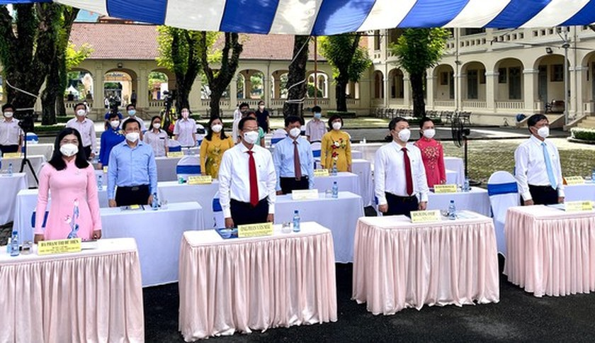 New academic year in full distance learning begins across country amid pandemic ảnh 2