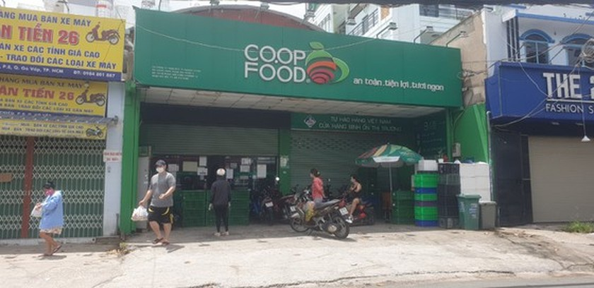 HCMC's street food stores not ready for reopening ảnh 1