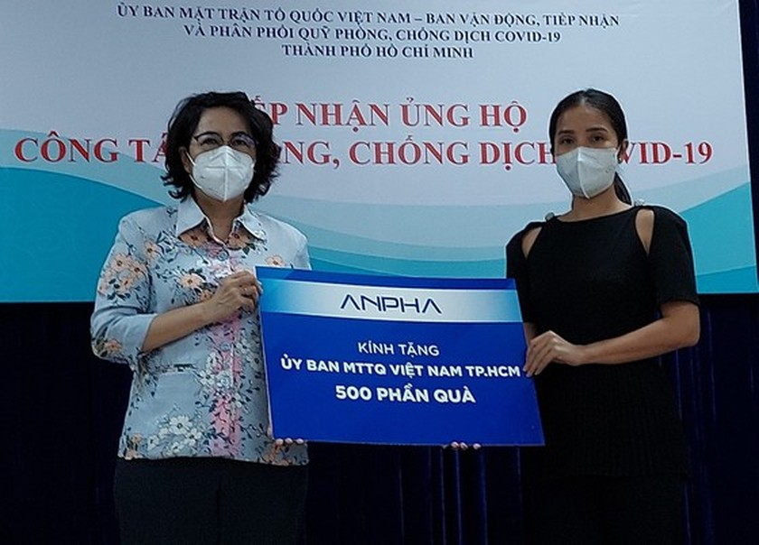 HCMC receives Covid-19 food, essential goods, medicine support ảnh 3