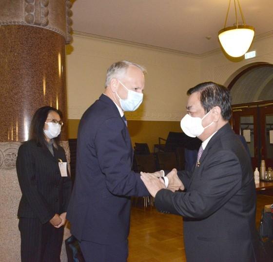 NA Chairman meets Finnish Prime Minister ảnh 4