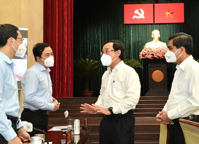 HCMC Party Executive Committee's session issues pandemic-related decisions ảnh 4