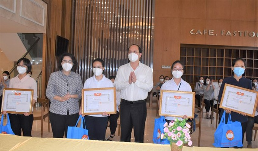 HCMC praises religious volunteers' contribution to fighting against pandemic ảnh 1