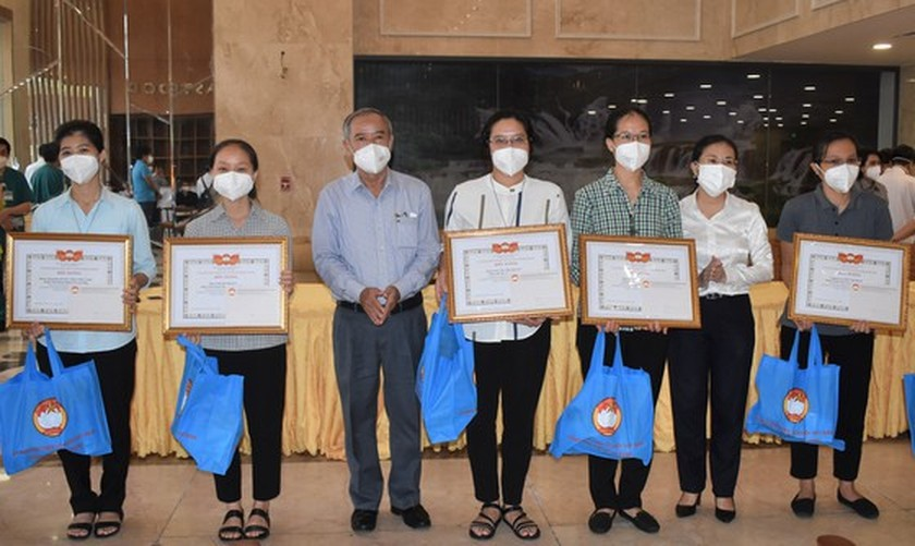 HCMC praises religious volunteers' contribution to fighting against pandemic ảnh 4