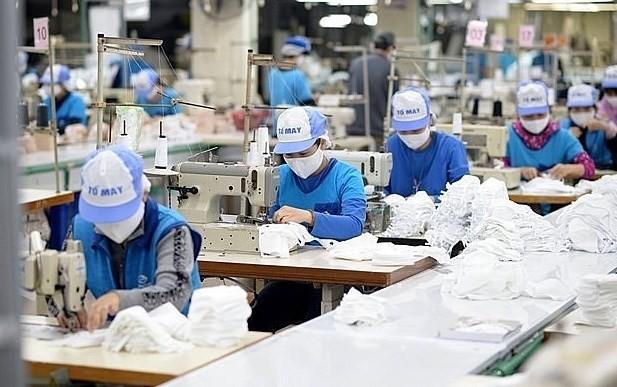 More tax, fee cuts to benefit pandemic-hit enterprises, people ảnh 1