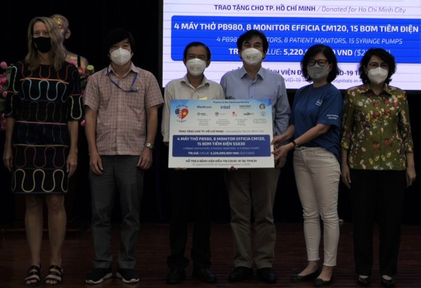 HCMC receives medical equipment to support its Covid-19 response efforts ảnh 1
