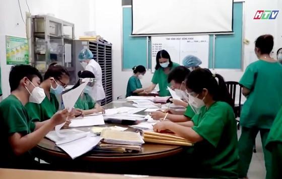 HCMC's art program honors great national unity amid pandemic ảnh 8