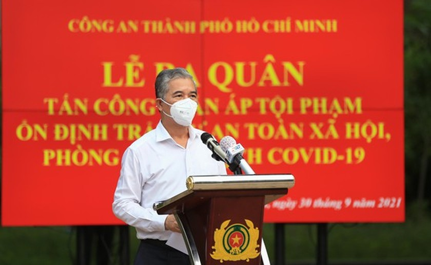 HCMC police launch campaign against criminals after restriction ease ảnh 4