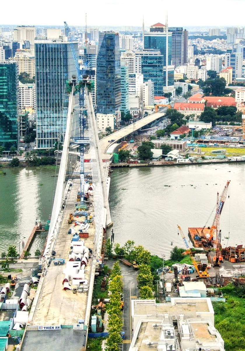 HCMC reimplements key projects after easing lockdown measures ảnh 6