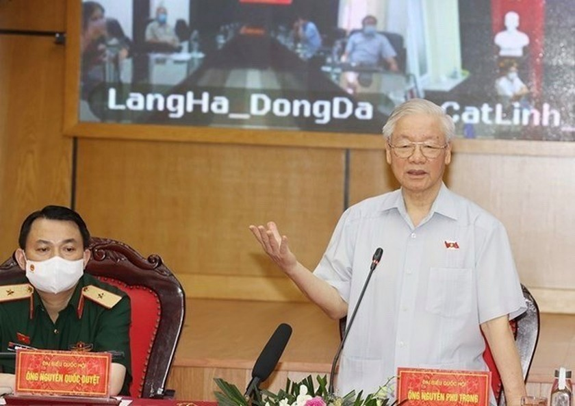 Party chief meets Hanoi voters ahead 15th NA's second session ảnh 1