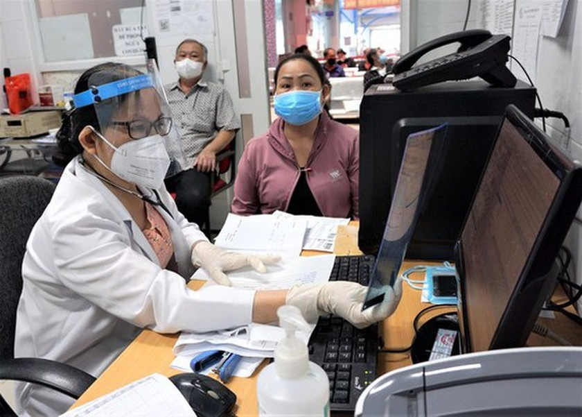 HCMC to get more 26 hospitals returned to pre-Surge functions by October 31 ảnh 1