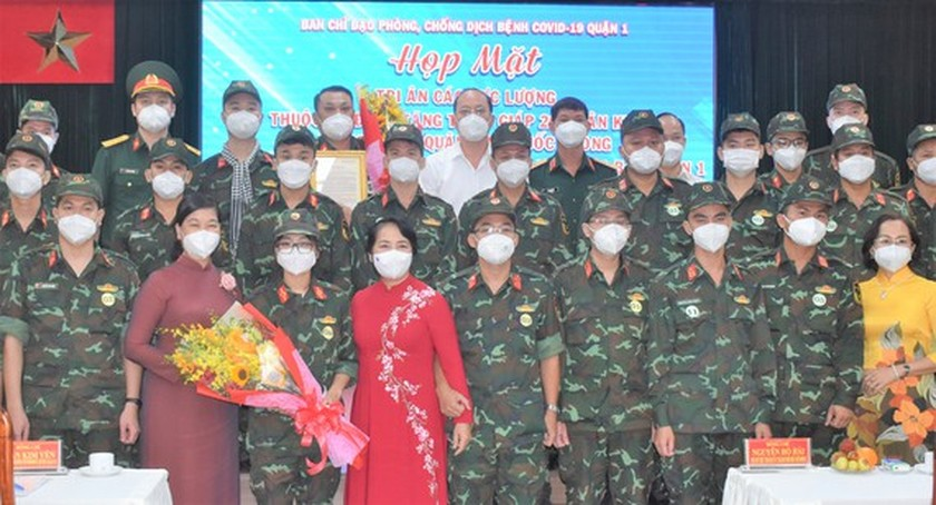 HCMC's District 1 lauds soldiers in frontline of Covid-19 fight ảnh 1