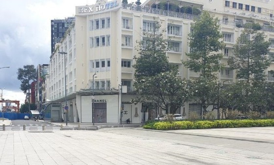 Photos of stone statues of elephant on Nguyen Hue walking street are fake news ảnh 3